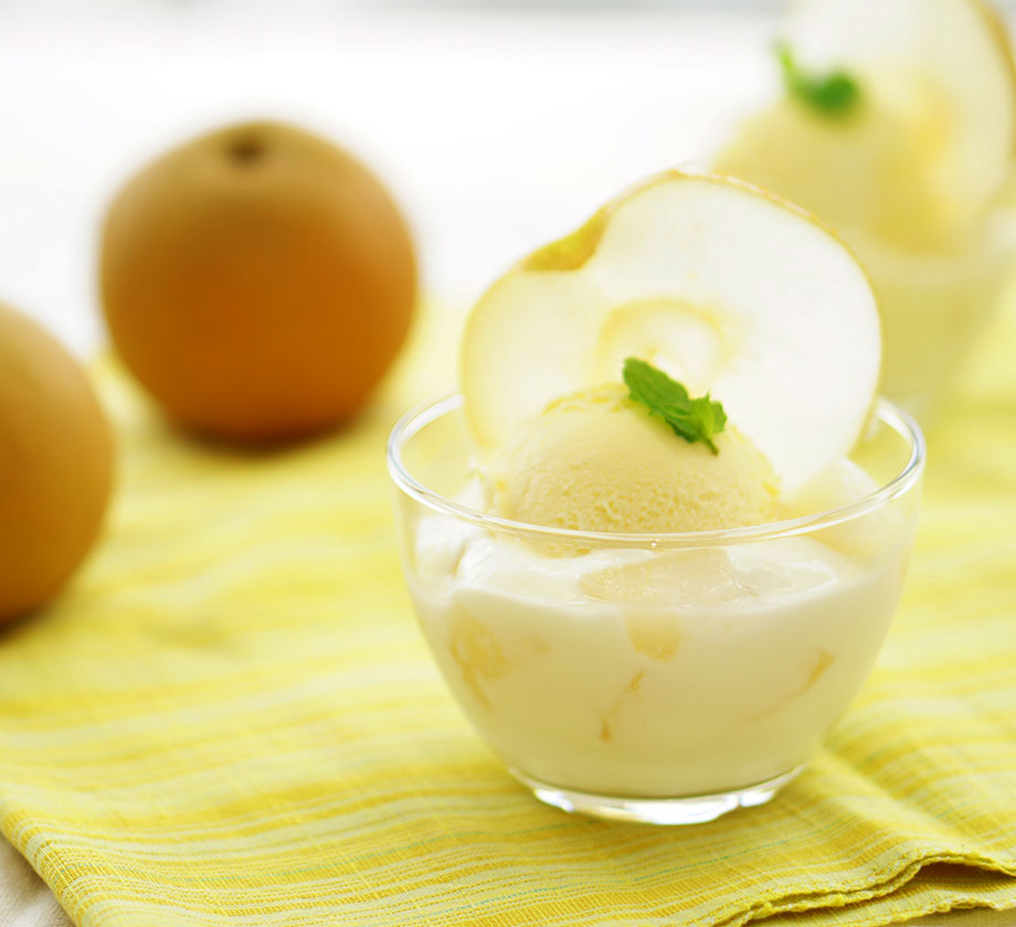 "Japanese pear yogurt <br class=""mb-elem"">with vanilla ice cream"